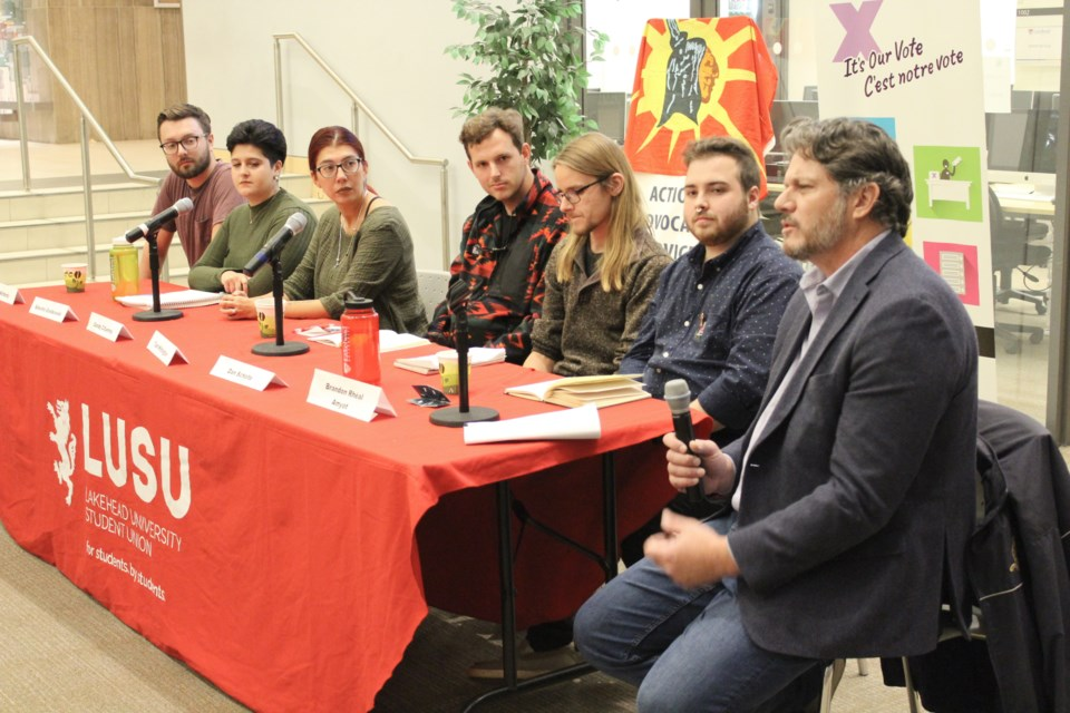 Lakehead University hosted a student-led panel discussion Tuesday regarding the federal election. Todd Stubbs, right, was the moderator. The panel included, from left, students Evan McHardy, Aleesha Gostkowski, Sandy Cifuentes, Tosh Withington, Dan Scholte and Brandon Rhéal Amyot. Nathan Taylor/OrilliaMatters