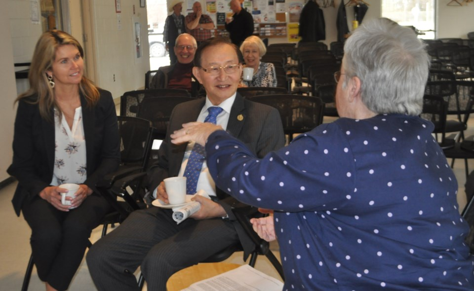 dunlop and chow at midland seniors home