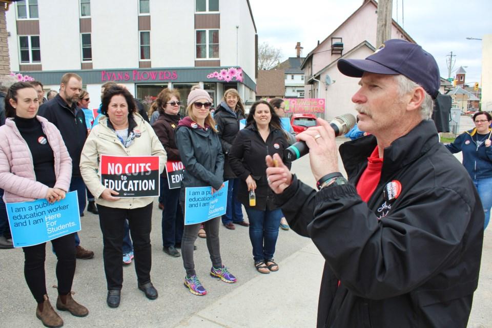 2019-05-10 Jill Dunlop protest 4