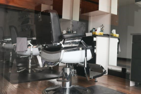 empty salon chair