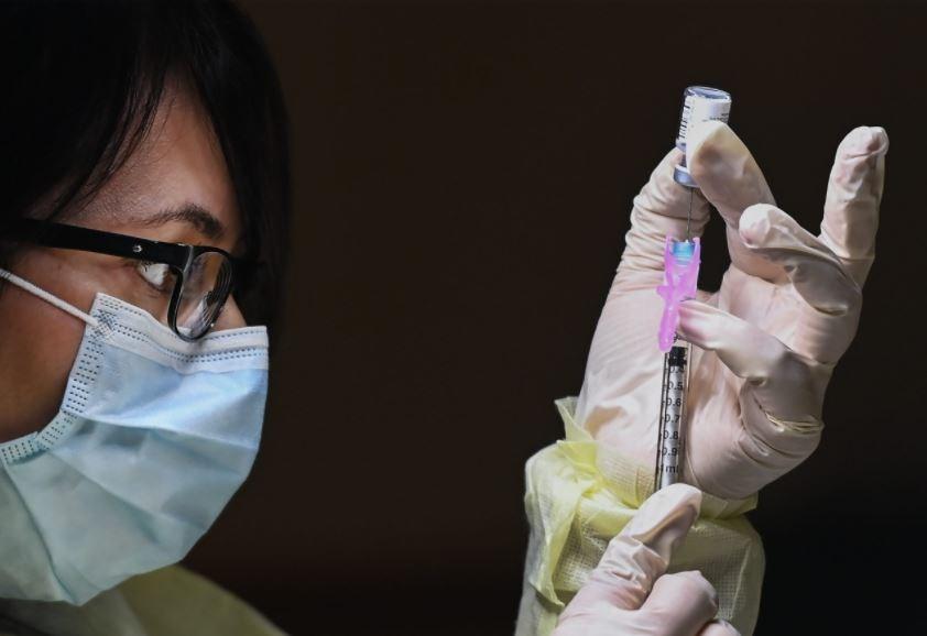 toronto covid vaccine nurse