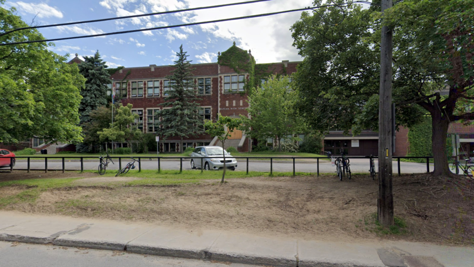 20201010_nepean high school