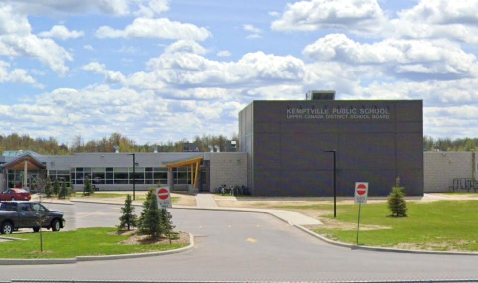 20210407_kemptville public school