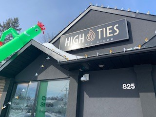 High Ties, Embrun. Photo/ Denis Armstrong