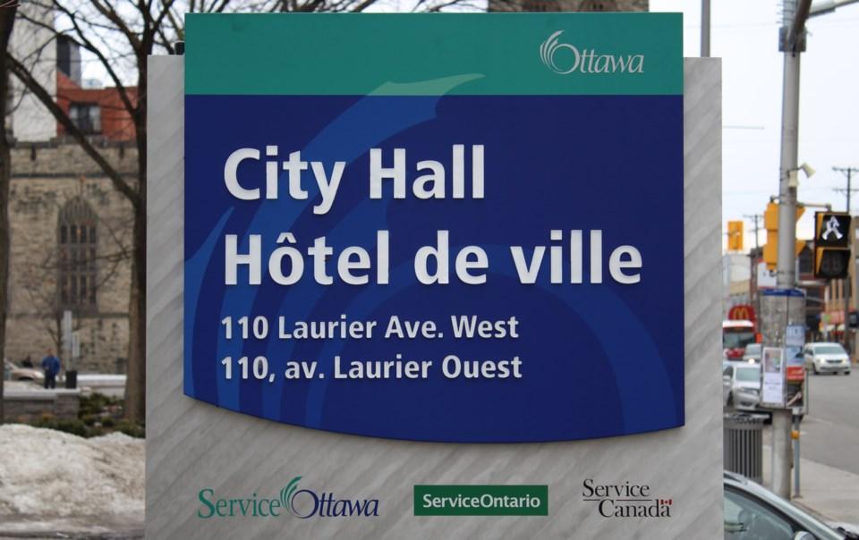 2018-02-28 Ottawa City Hall3 MV