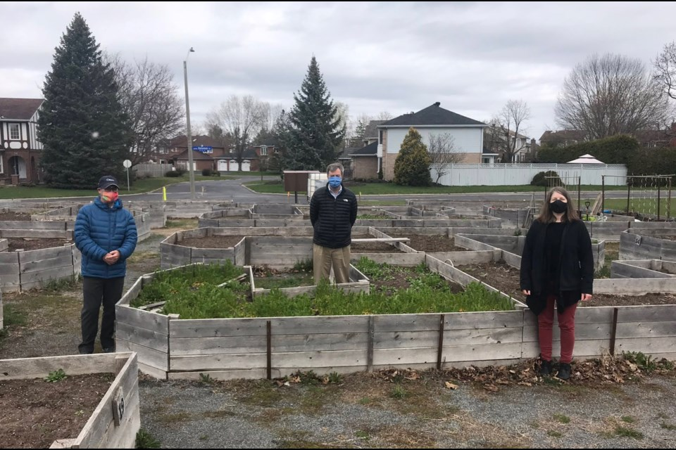 Community garden in Nepean opens under specific COVID-19 guidlines, May 8, 2020. Photo. Mayor Jim Watson