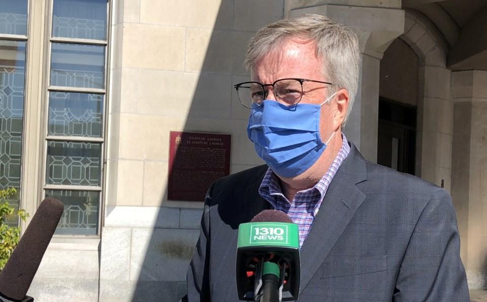 2020-09-21 ottawa mayor jim watson masked CK1