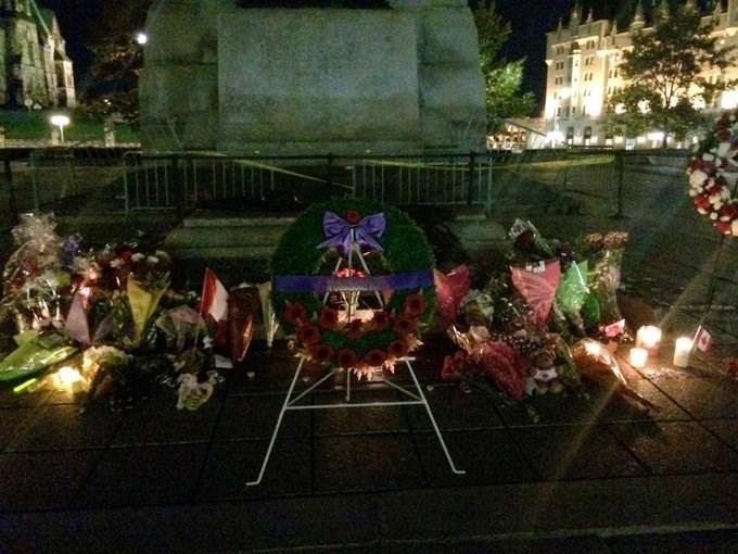2014-10-24-national-war-memorial-jw