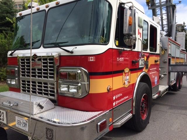 2017-10-01 Ottawa Fire truck MV-1