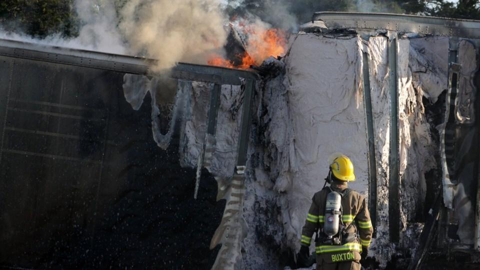 2018-05-30 401 truck fire