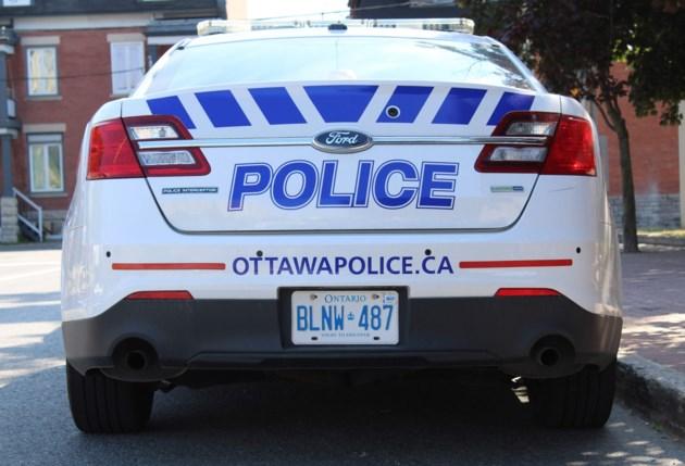 2018-07-12 ottawa police cruiser MV2