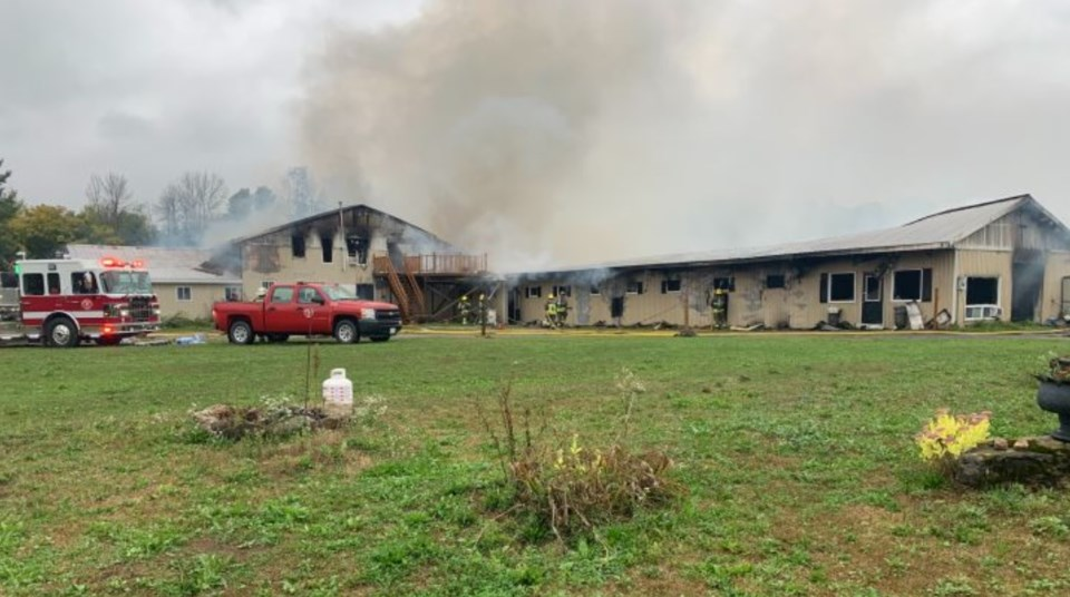 2021-09-27 smiths falls barn fire