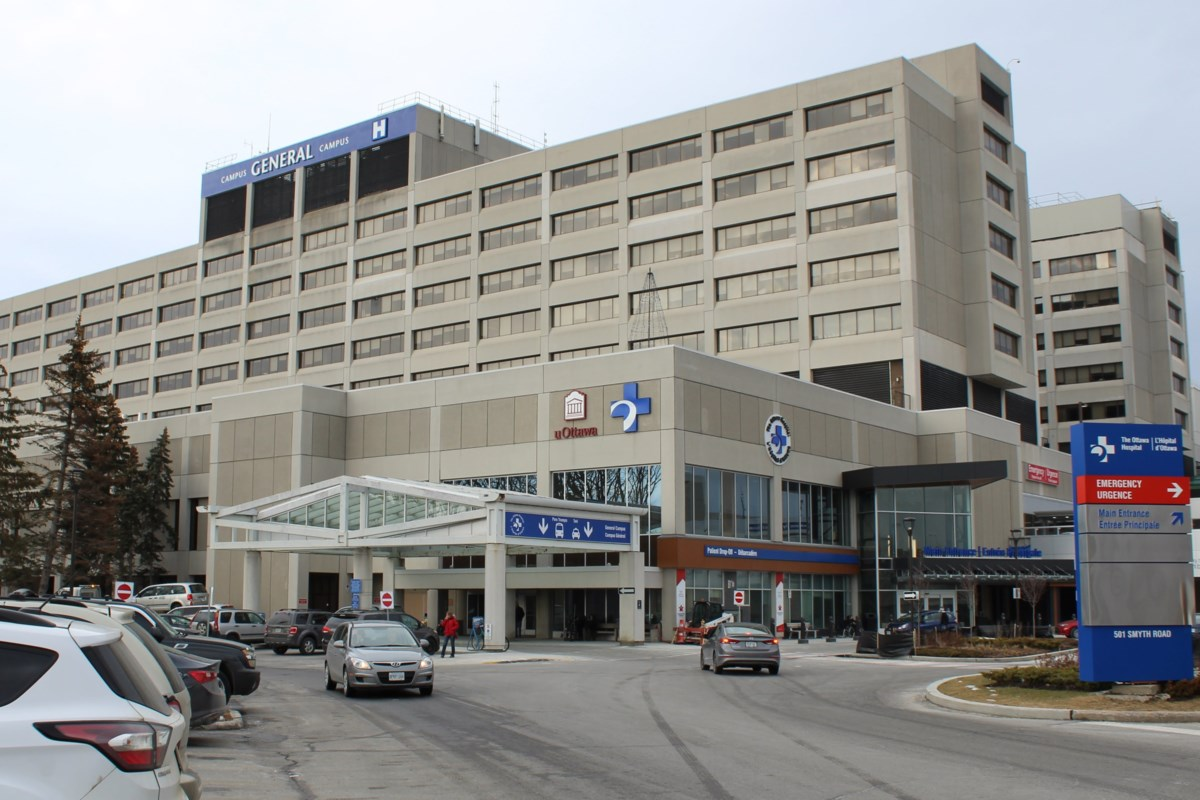 Ottawa Hospital ready to suspend unvaccinated staff members, but says uptake has been high