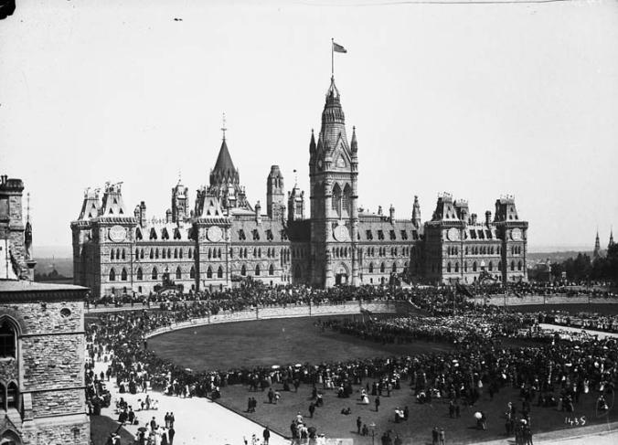 2018-06-18 queen victoria celebration 1897