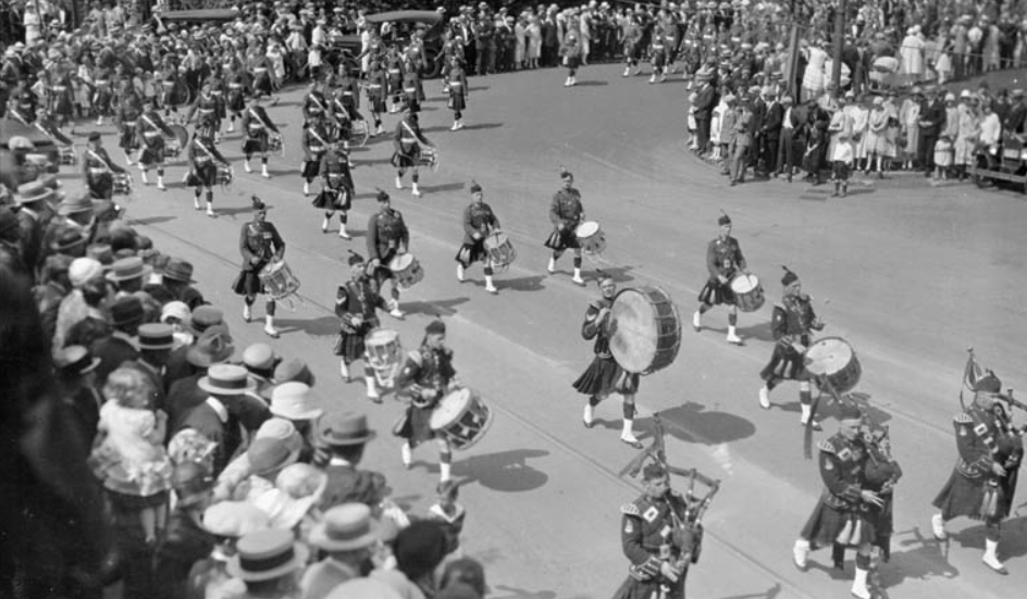 centenary-pipers-samuel-j.-jarvis-library-and-archives-canada-pa-025132