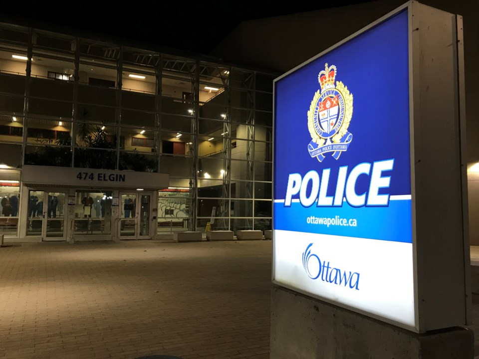 2019-11-19 ottawa police night 2