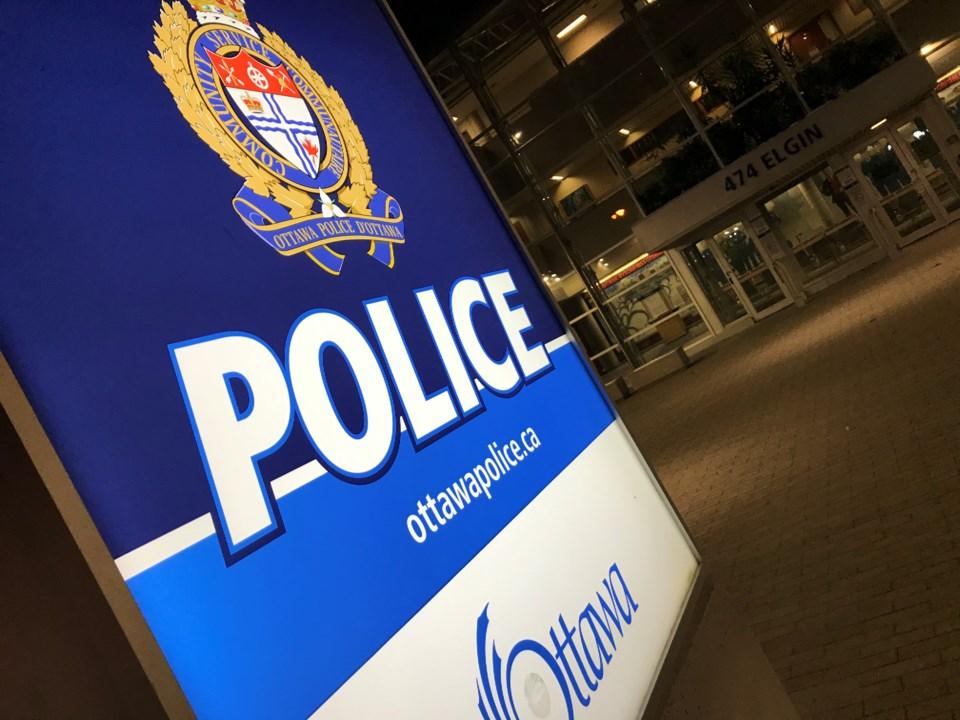 2019-11-19 ottawa police night 3