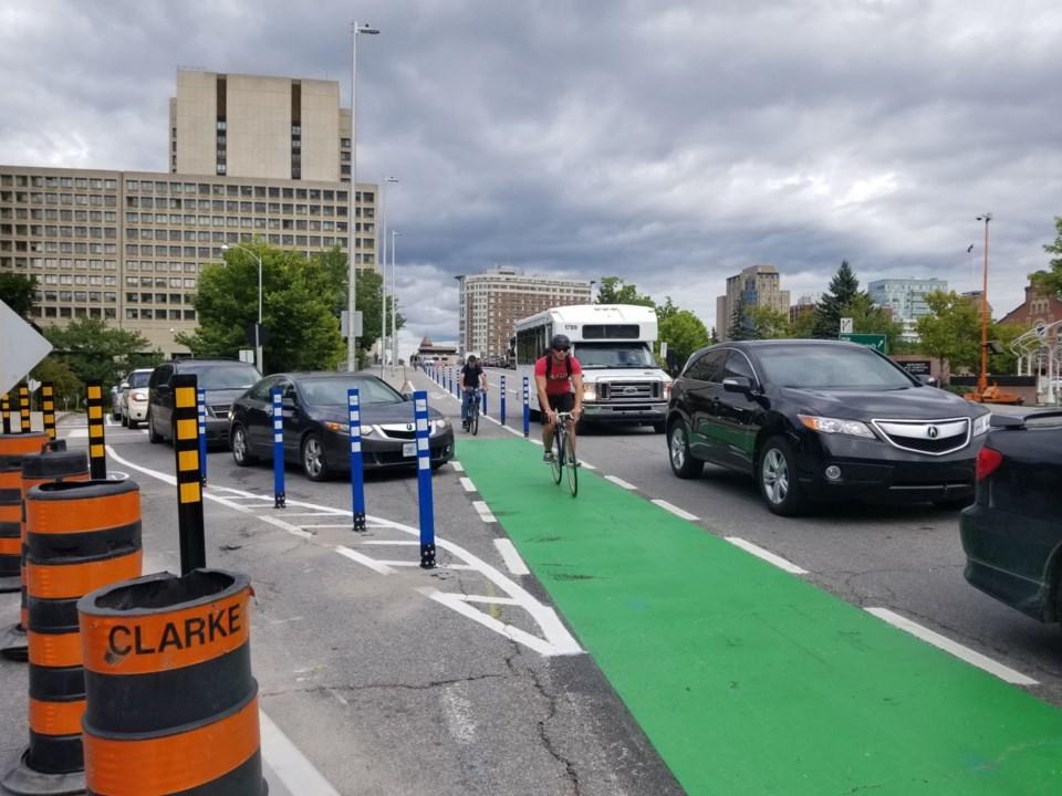 2019-08-30 bike lane laurier avenue