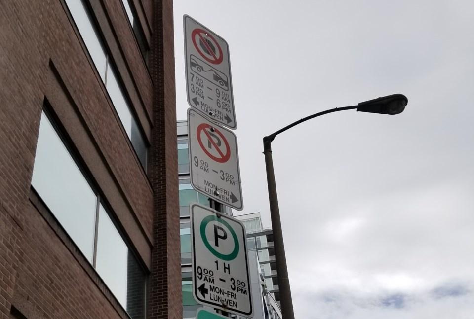2019-09-04-parking-signs-bank-street-jw