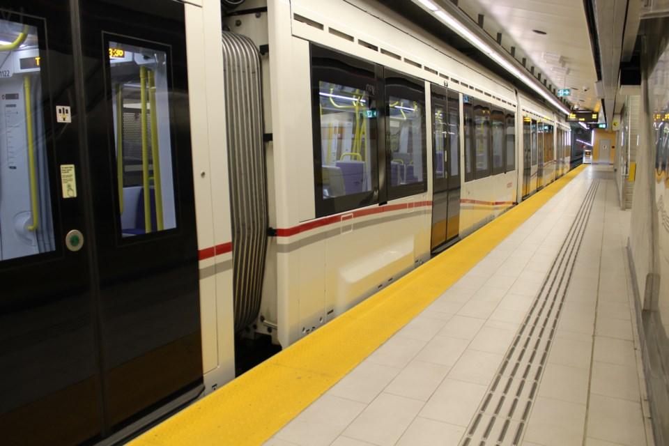 2019-08-23 Lyon Station LRT Ottawa Confederation Line 6