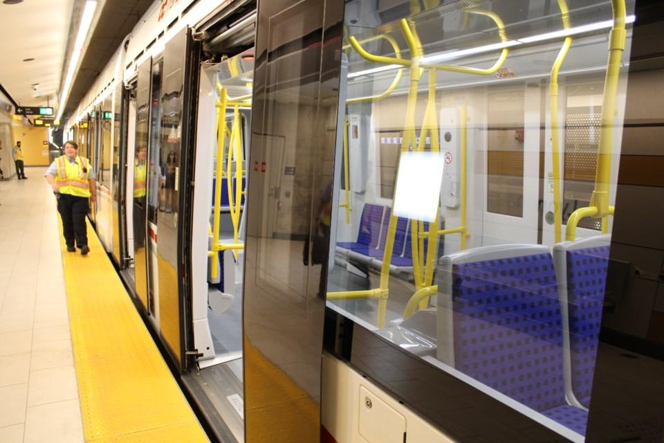 2019-08-23 Lyon Station LRT Ottawa Confederation Line 7