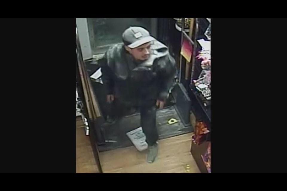 The suspect in a break in along Merivale Rd. near Carling Ave., January 20, 2018. Photo/ Ottawa Police Service