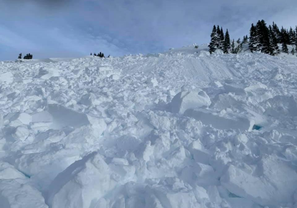Cowboy ridge avalanche - by Joe Peplowski - January 9 (3)