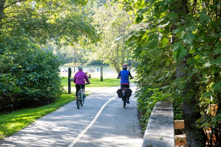 e-bikes - e-biking Whistler's valley trail