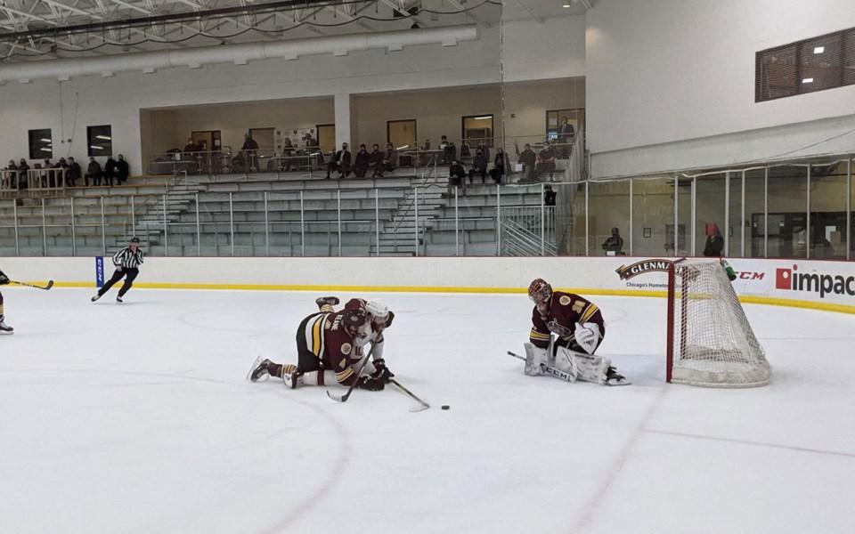Sports-Beck-Warm-NHL-Contract-Carolina-031121