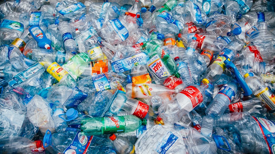 plastic water bottles should be banned