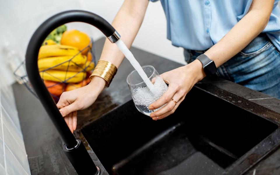 web-drinking-water-071020