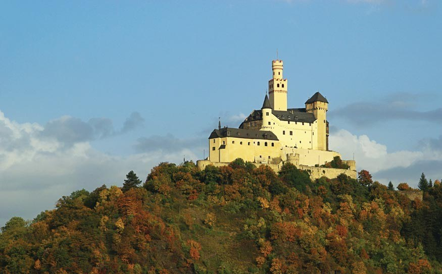 Marksburg Castle sits above the town of Braubach on the Rhine RIver.