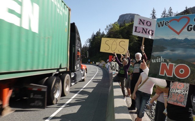 n-gondola_lng_protest_2121_web_