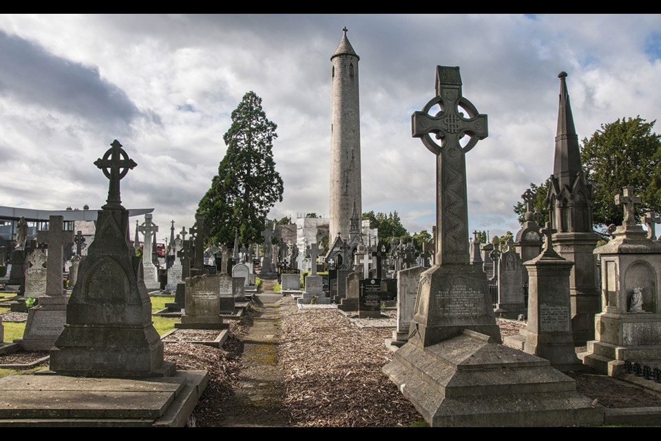 "Glasnevin's tallest monument commemorates Irish nationalist Daniel O'Connell. <a href=""http://shutterstock.com"">shutterstock.com</a>"
