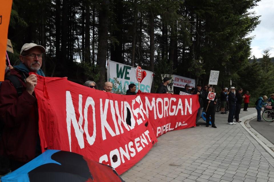 pipeline_protest_1