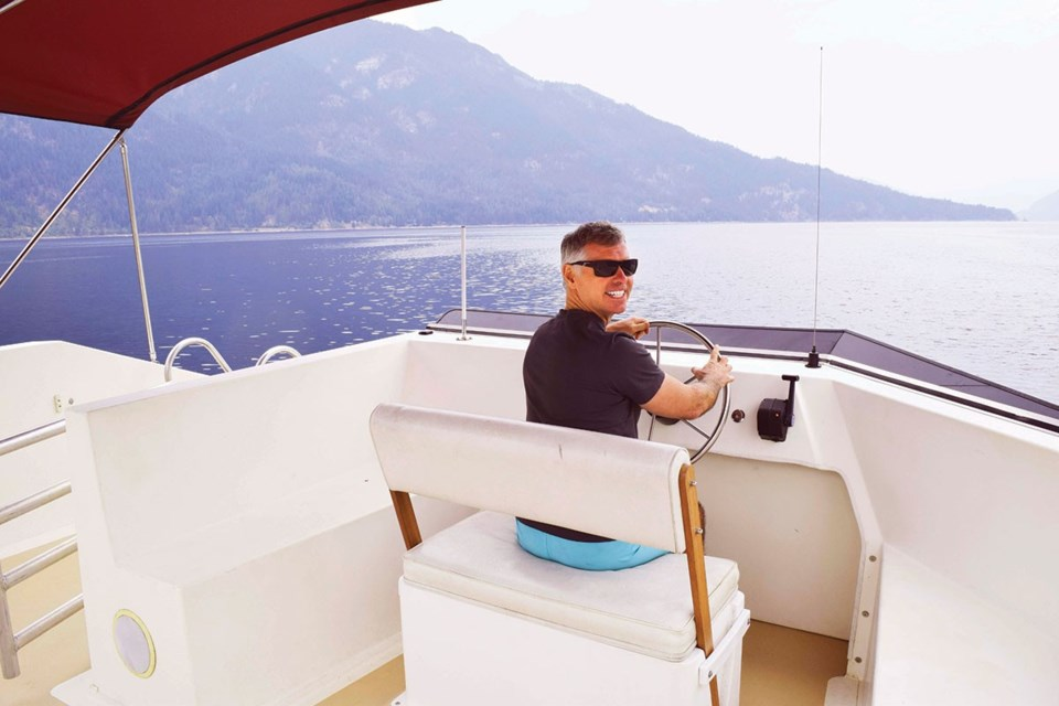 Writer Steve MacNaull preferred the top-deck outdoor command station. Photo by Kerry MacNaull