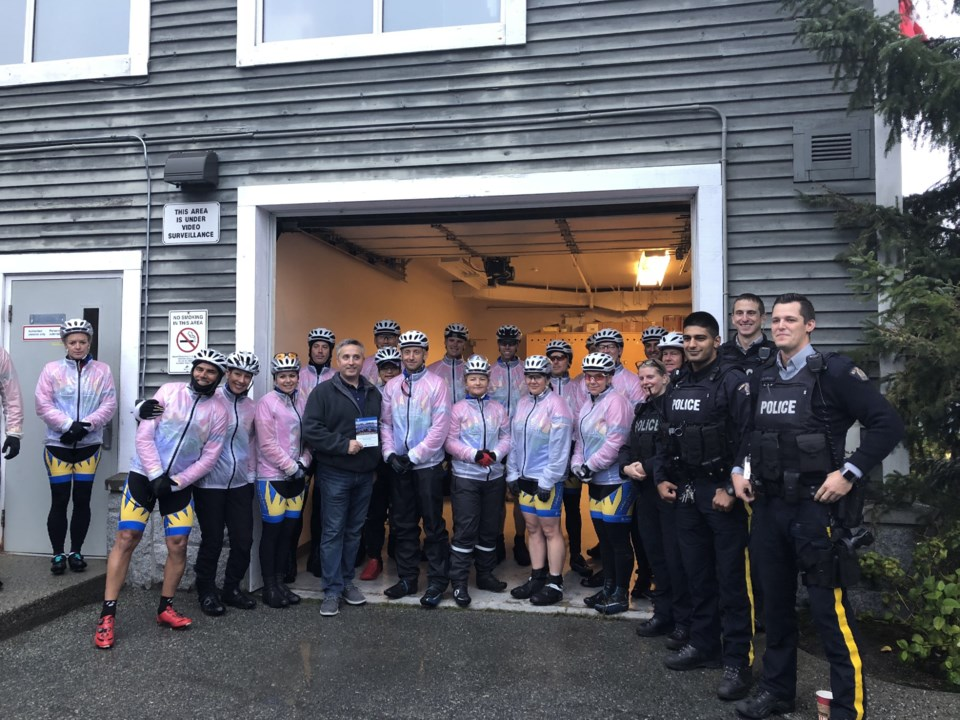 cops_for_cancer_cyclists_whistler_25