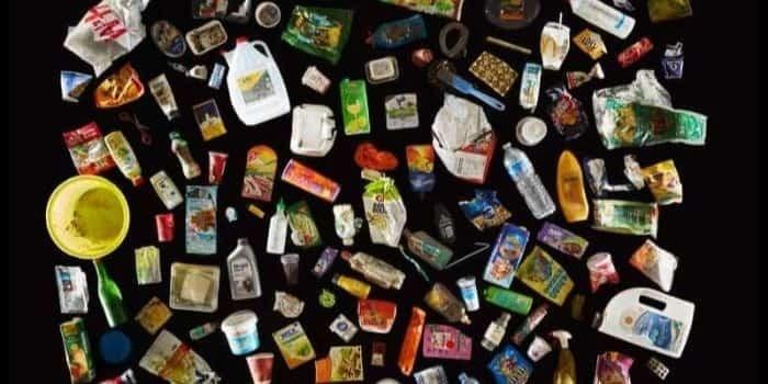plastic-trash-canada
