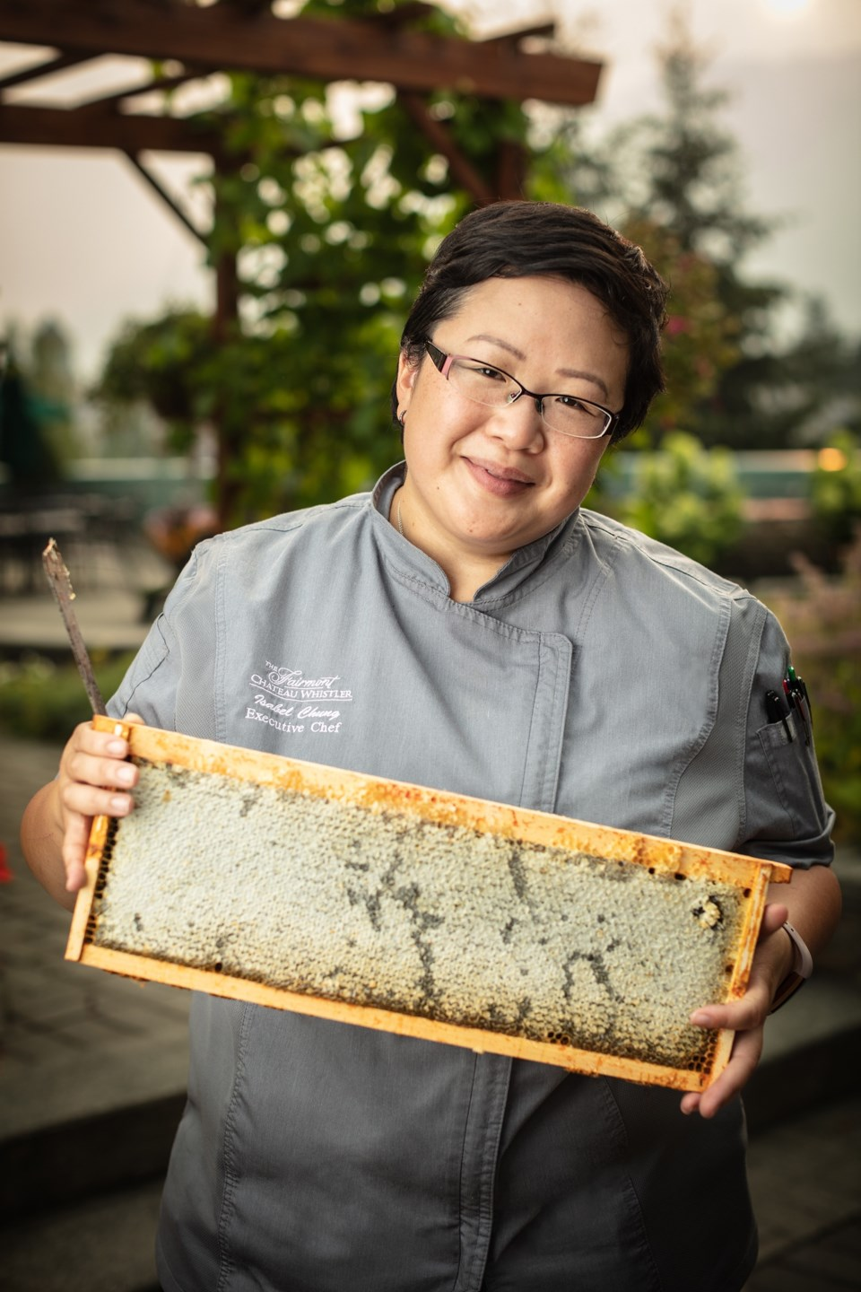 o-epicurious_chef_isabel_bee_hives_kevinclark_2623_courtesy_