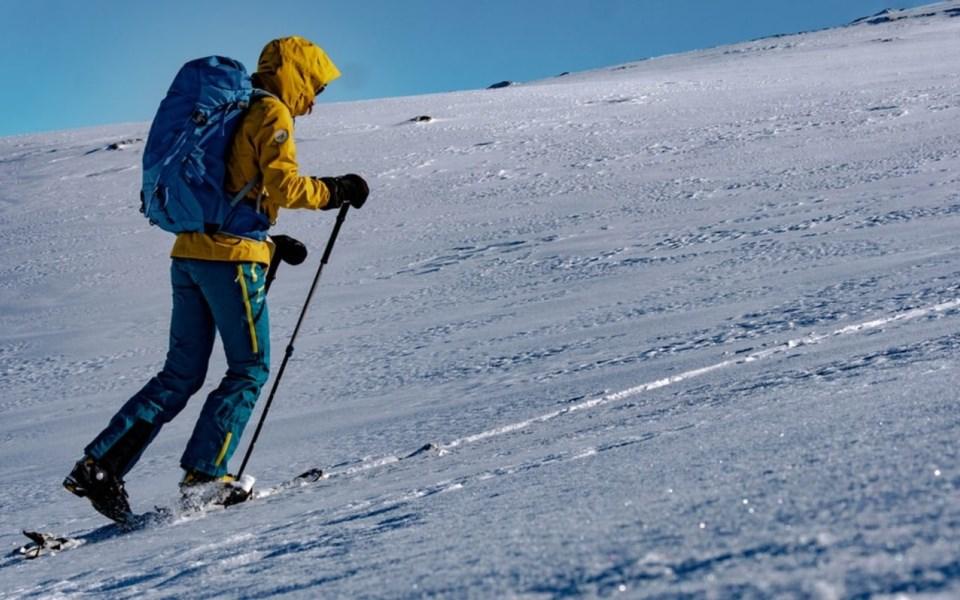 uphill_skiing