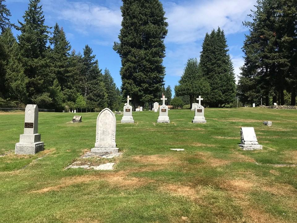 2641_powell_river_regional_cemetery_2