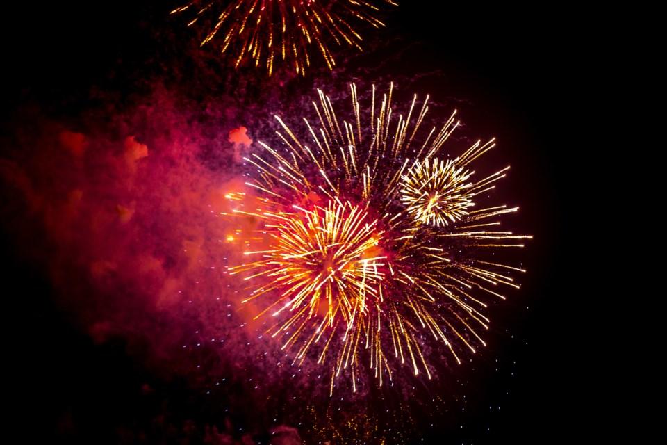 2647_fireworks_ban