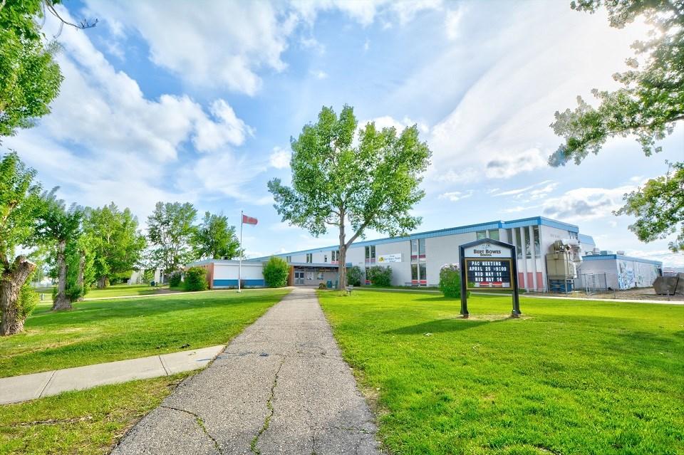 Bert Bowes Middle School - Fort St. John