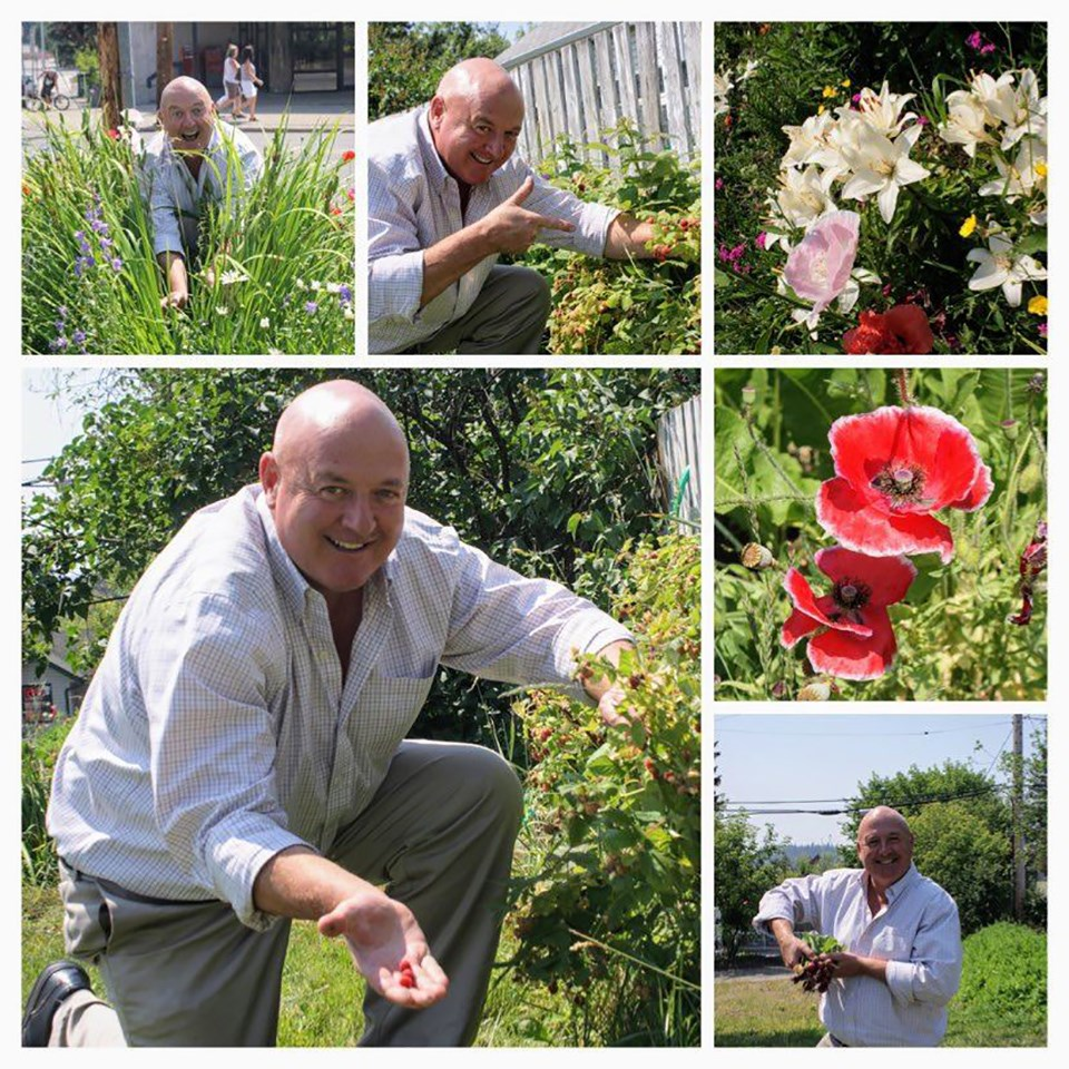 the perfect smile_garden on the 10th_james_2015