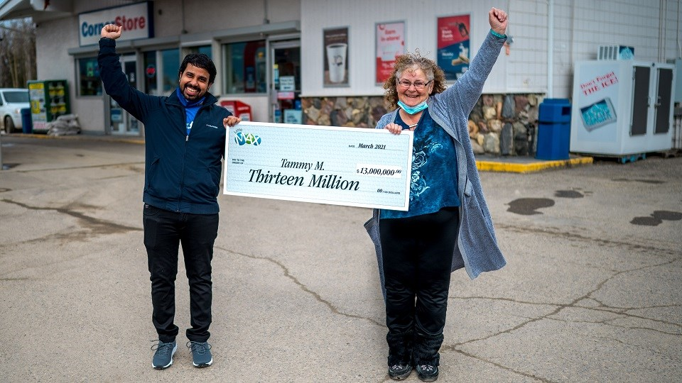 Tammy Manning and Amber Bhaskar_Lotto Max Winner and Lottery Retailer_McBride_FINAL