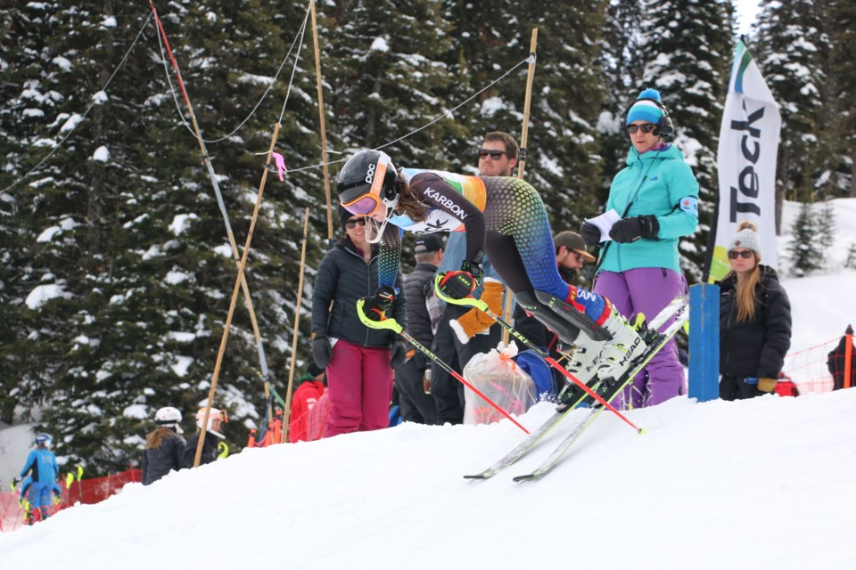 Racers came charging out of the gate when going down Purden Ski Hill at the 2019 TECK U-14 Provincials near Prince George (via Shaun Holahan)