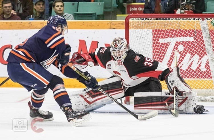 Taylor Gauthier (#35) stretches out to make a save against the Kamloops Blazers in the final game of the 2018-19 season (via Prince George Cougars/James Doyle Photography)