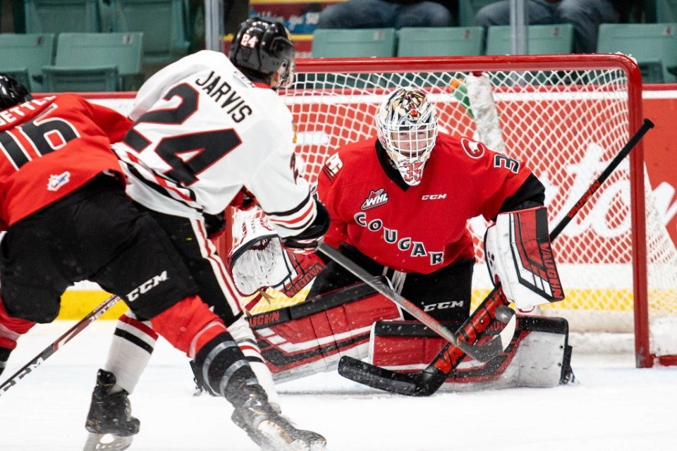 Taylor Gauthier (#35) looking to make a save against the Portland Winterhawks at the CN Centre (via Prince George Cougars)