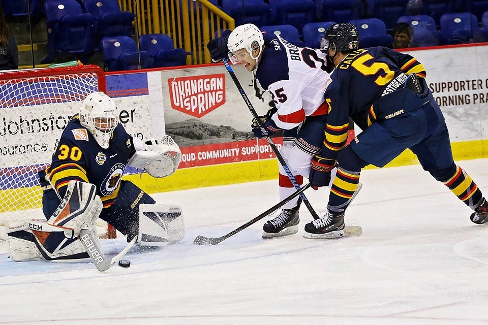 Kobe Grant (#30) in action for the Vernon Vipers against the Cowichan Valley Capitals during the BCHL's 2020-21 extended training season.