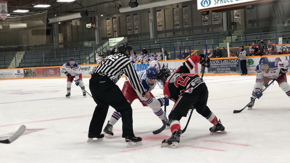 Spruce Kings-Centennials faceoff 2020-21 exhibition